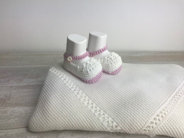 Cotton white and light pink Knit Booties
