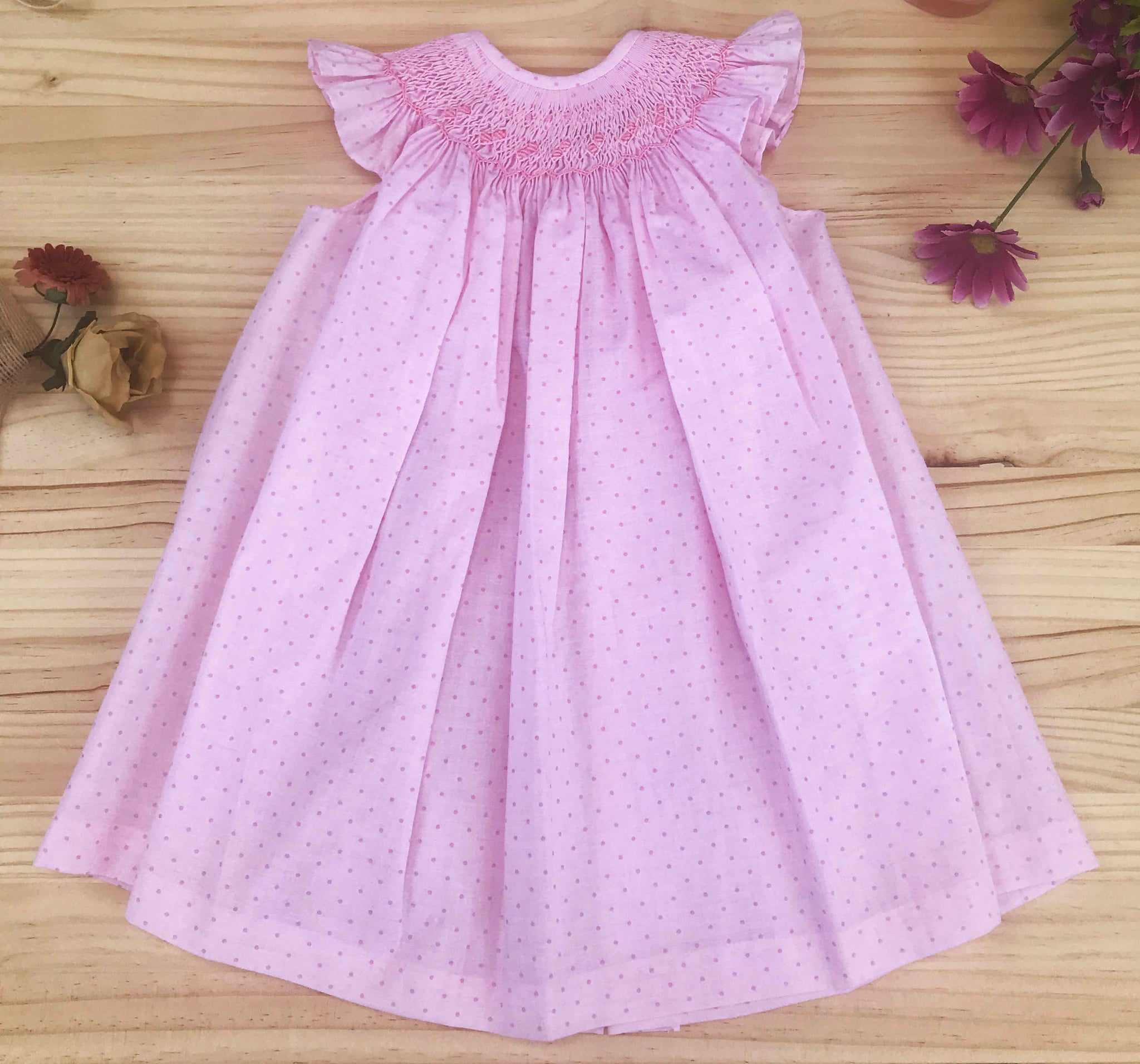 Casual Cotton Dress with ruffle shoulders dots pink by Patucos