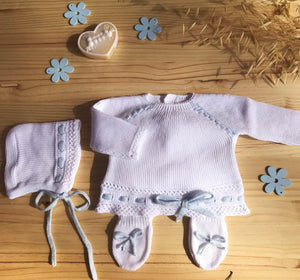 "Knit Cotton Newborn White Sweater and Pants,  ""Take me home set"" Blue lace by Patucos"