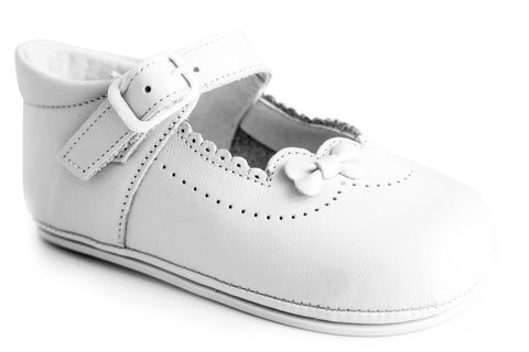 Patucos Infant Classic soft lovely leather White Shoes for Girls