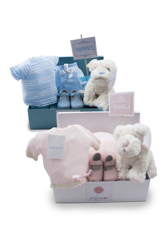"Patucos Newborn ""All you need' Basket for boys and girls"