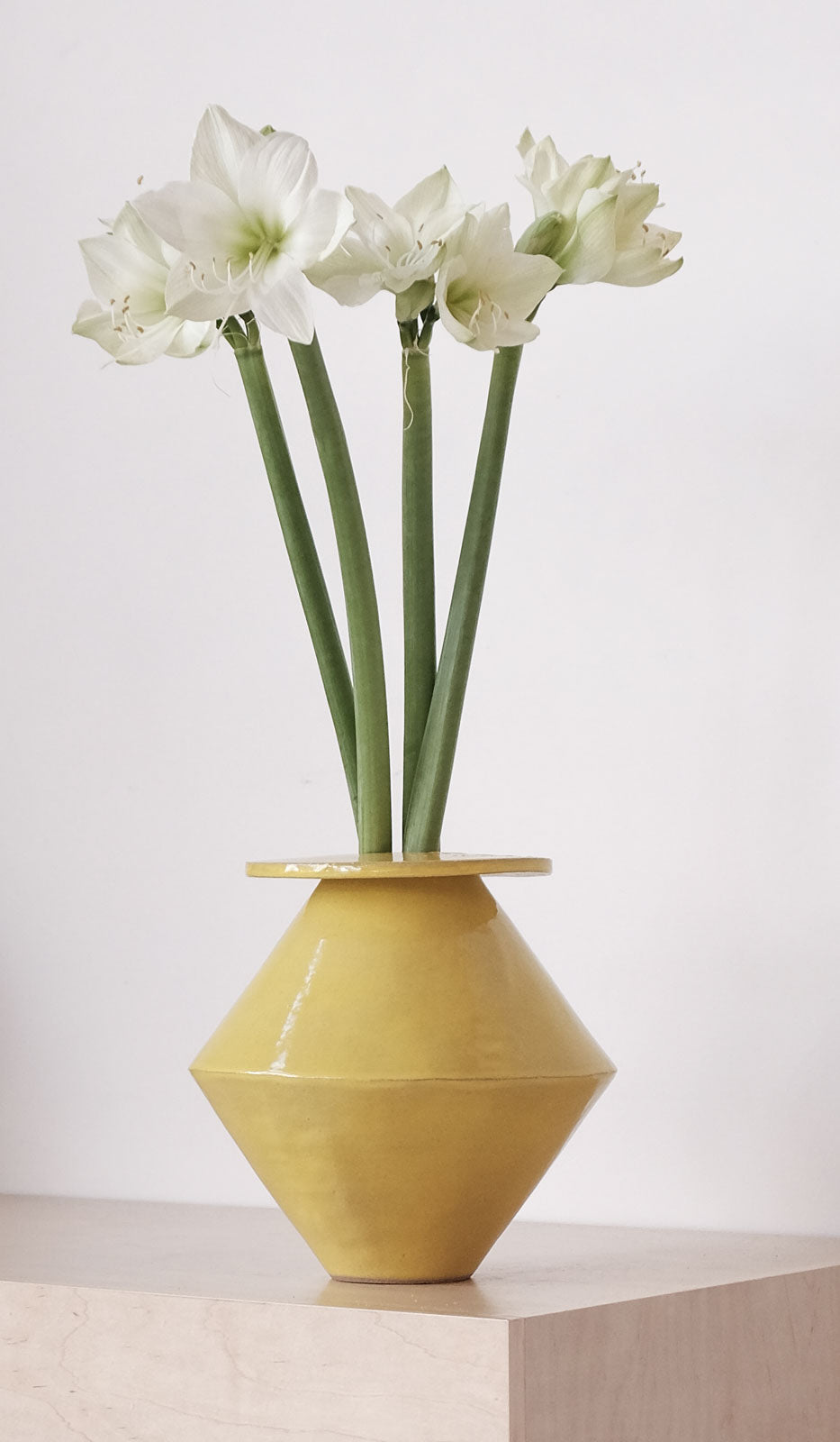 B Zippy Jumbo Diamond Vase: Gloss Yellow