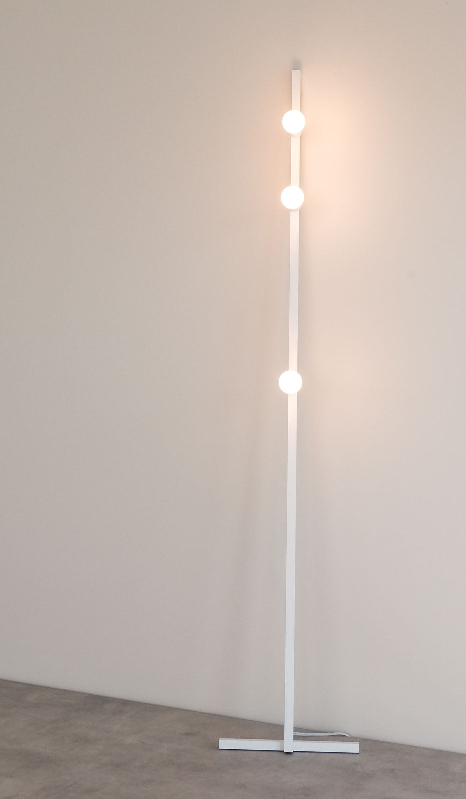 Lambert & Fils Dot 05 Line Floor Lamp