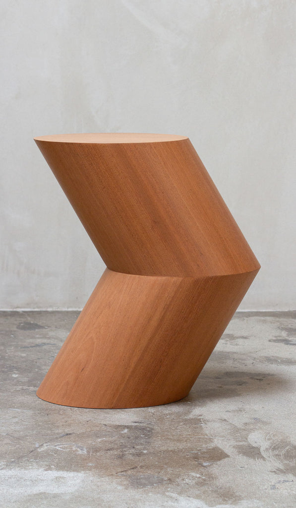 Estudio Persona Arrow Side Table