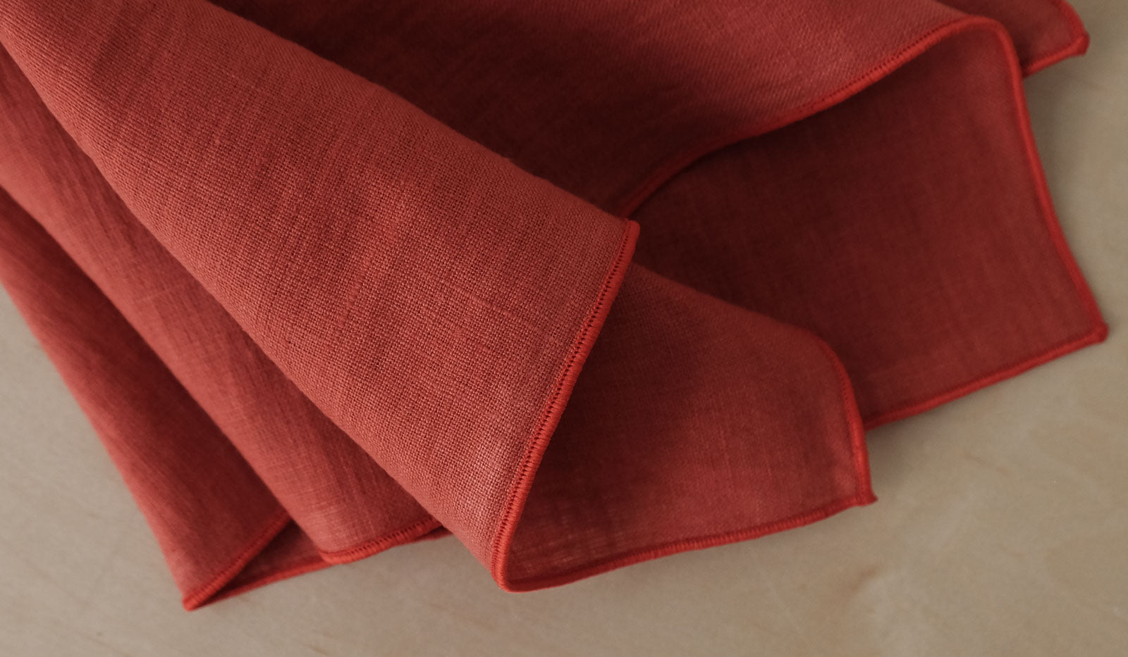 Madre Linen Napkin Set of 4: Tomato