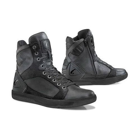 Forma Hyper Waterproof Black Shoe