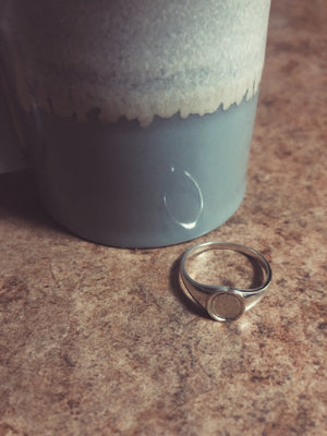 Mini Ellipse Signet Ring