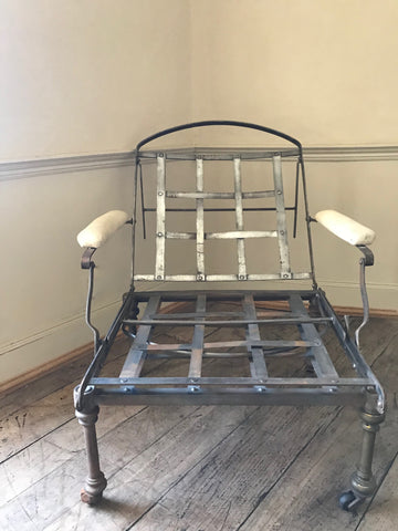 English Campaign Chair/Bed