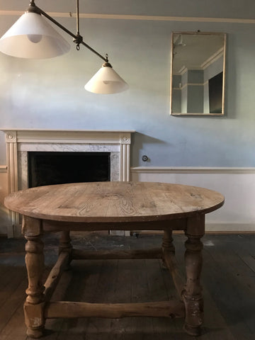 c18th Oak Circular Table