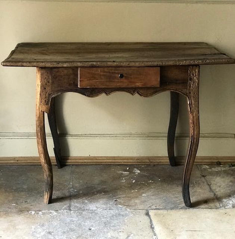 c18th French walnut table