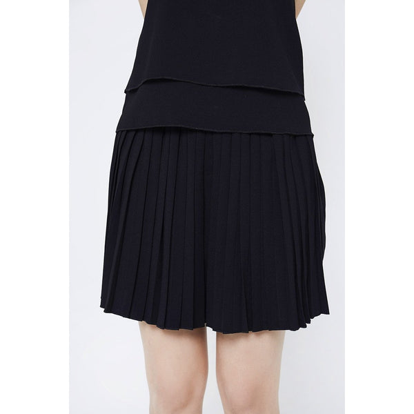 Daisy Pleated Shorts - Black