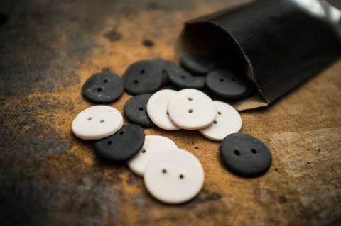 6 Ceramic Buttons