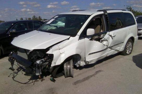 Chrysler Town & Country for parts (E024)