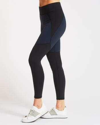 Linear Pocket Legging