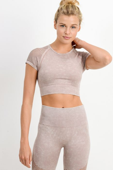 B3 Seamless Performance Crop Top - Almond