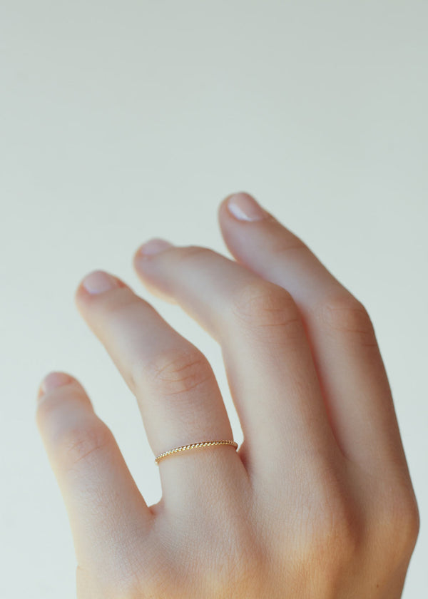 Twist Reversible Ring