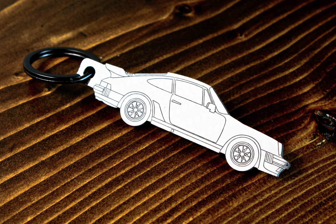 A 911 930 Turbo carbon fiber keychain, line detail view
