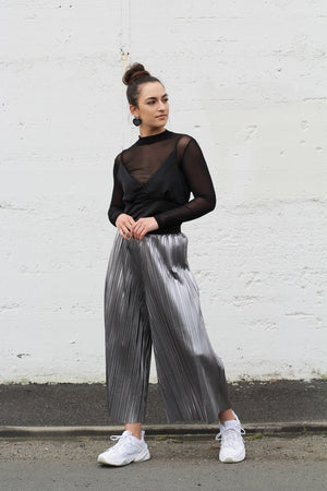 Load image into Gallery viewer, Hiwa Pleated Pant – Silver