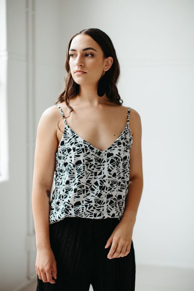 Huanui – Classic Cami in the Pathway Print