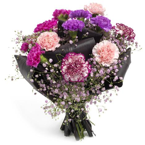 Send flowers and carnations in Trinidad Tobago.
