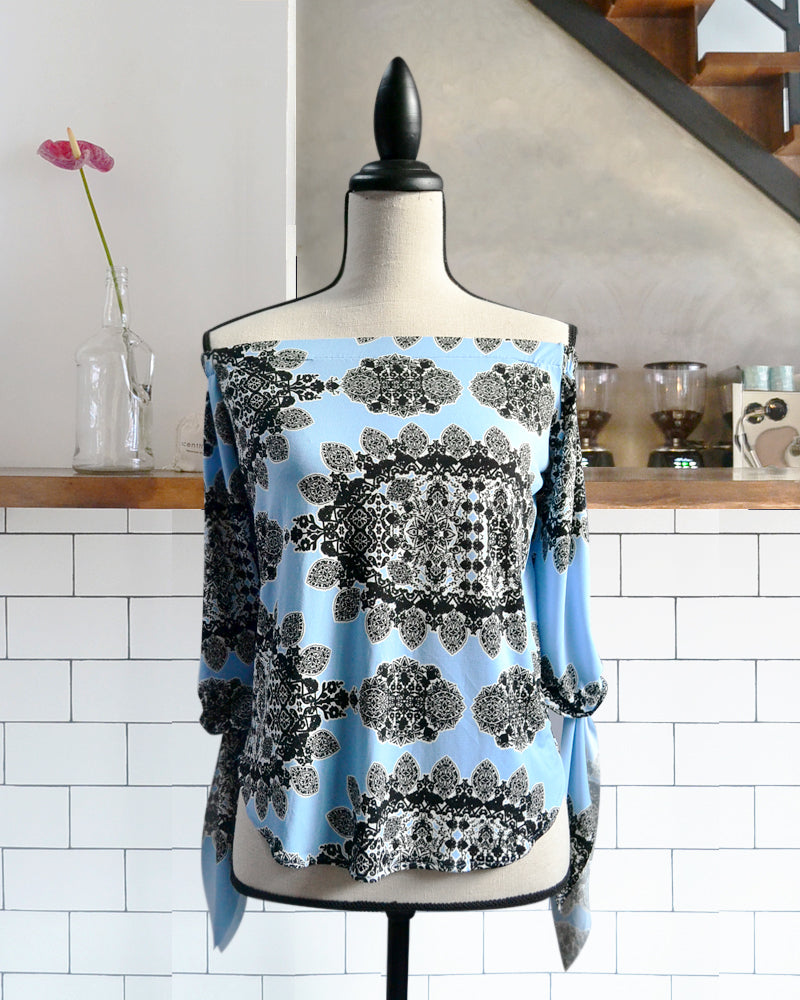 Vida Printed Blue Top - Cole Vintage
