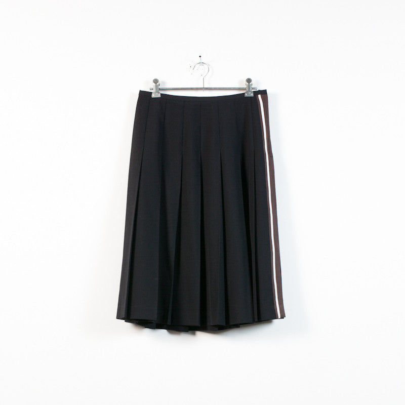 Black wool pleated skirt