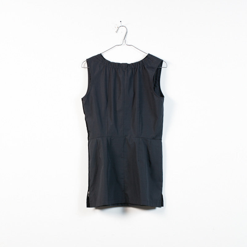 sleeveless drawstring blouse