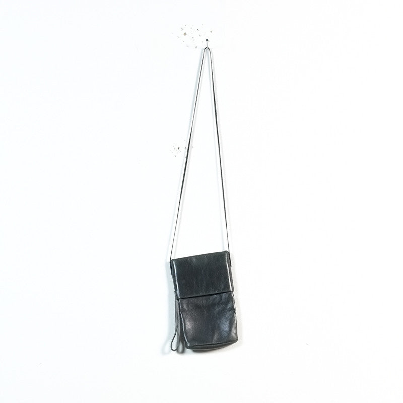 narrow strap shoulder bag