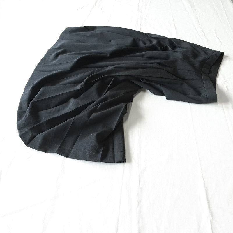 pleated long skirt