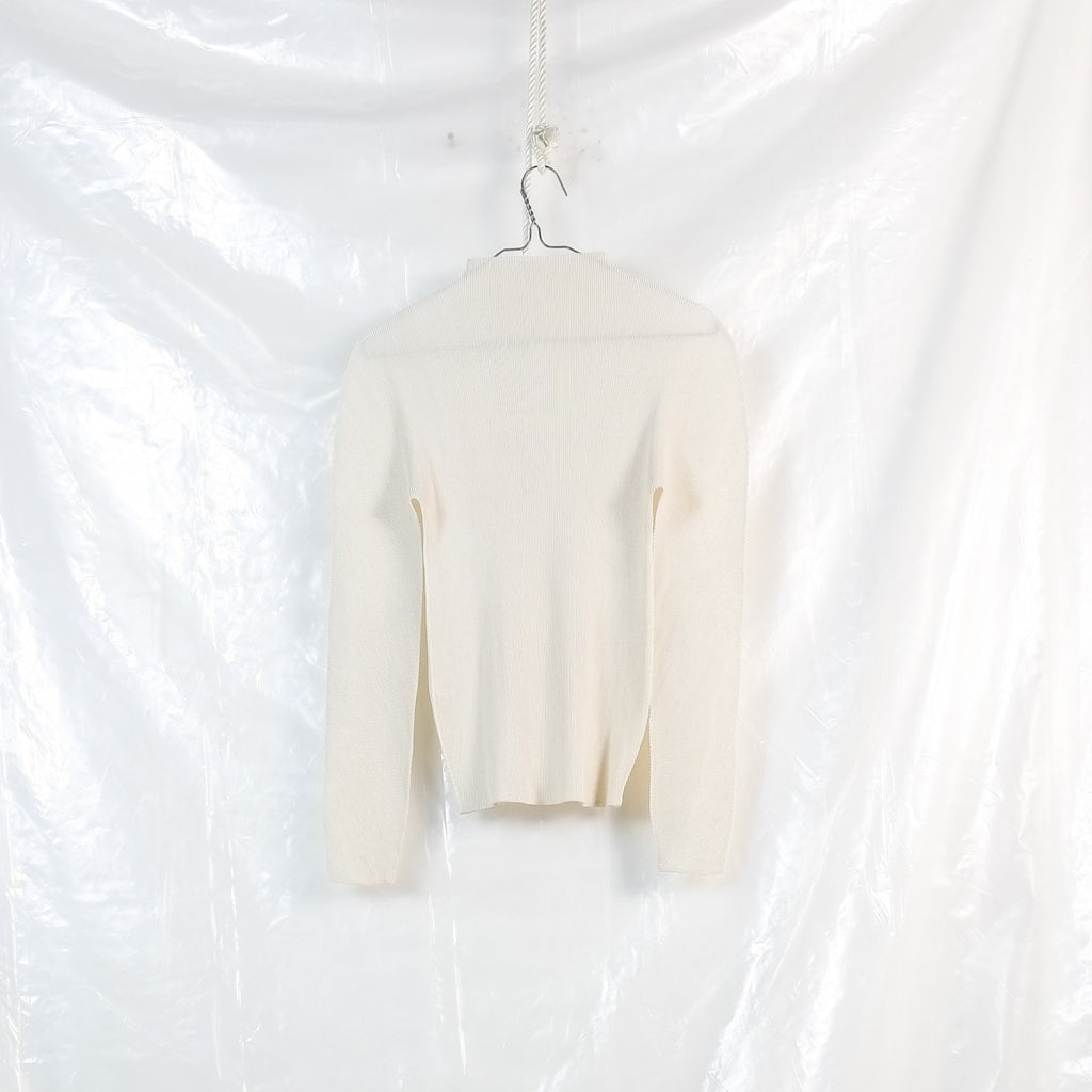 high neck longsleeve top
