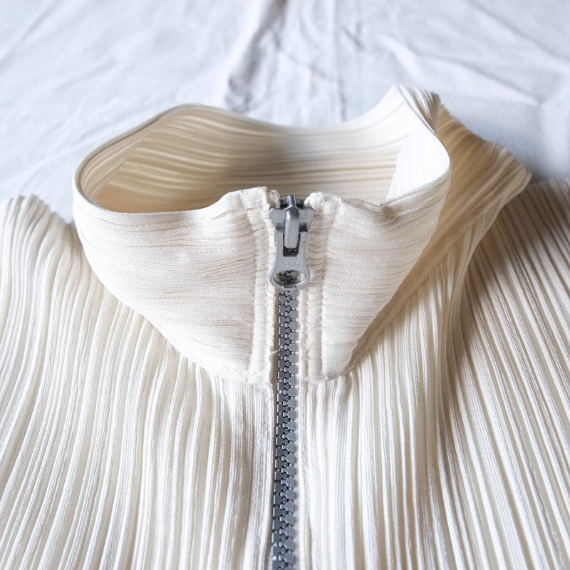 pleated high neck zip jacket