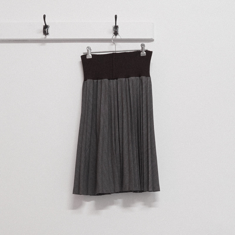 ribbed waist accordian pleat skirt