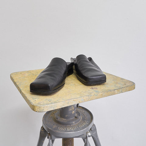 square toe leather slippers