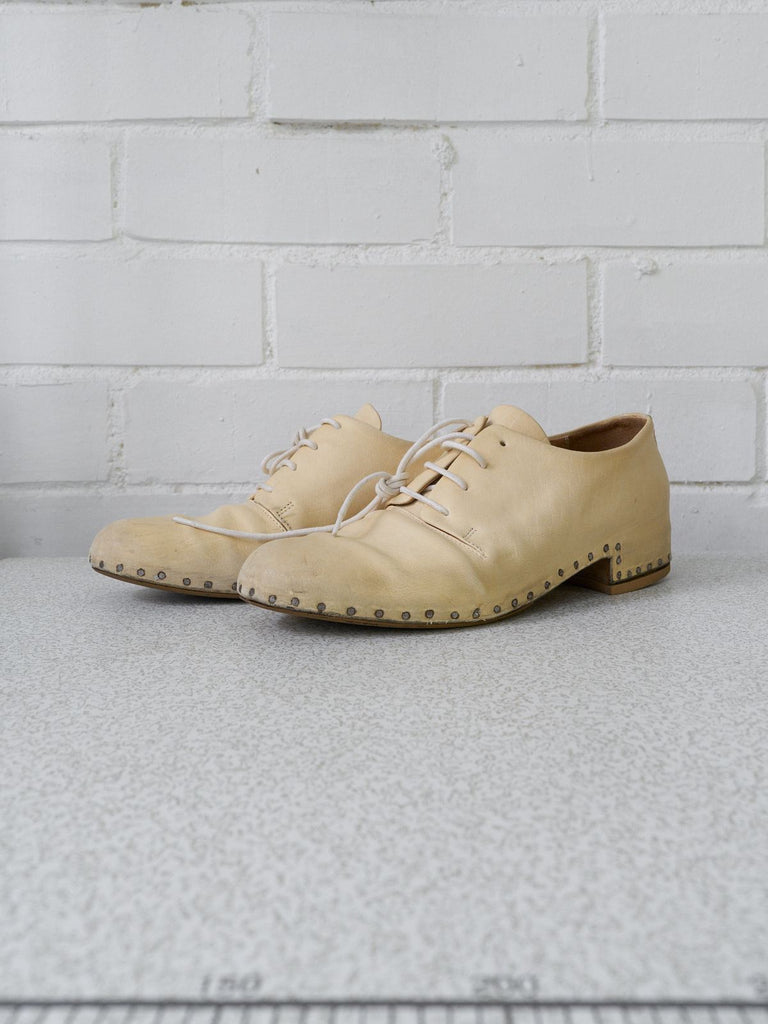 Maison Martin Margiela 2000s cream leather visible tack derby shoes - size 38