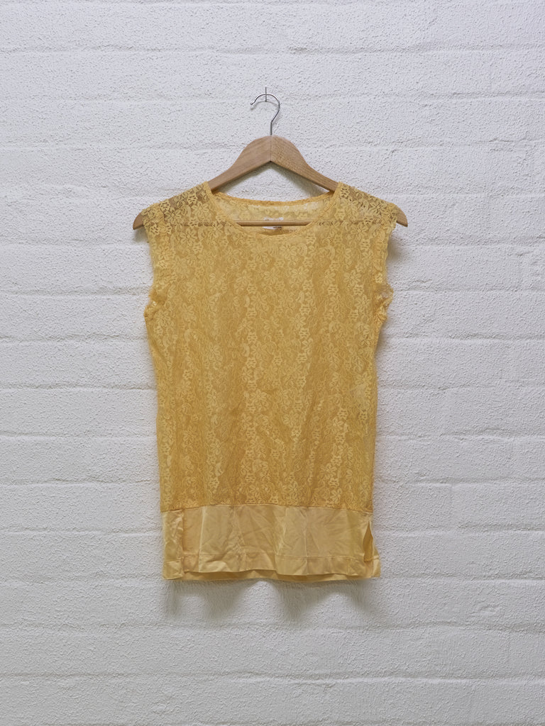 comme des garcons lace sleeveless top with satin hem panel - 1995