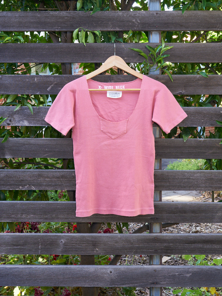 maison martin margiela 6 pink cotton 'x-wide neck' tshirt - late 1990s/early 2000s