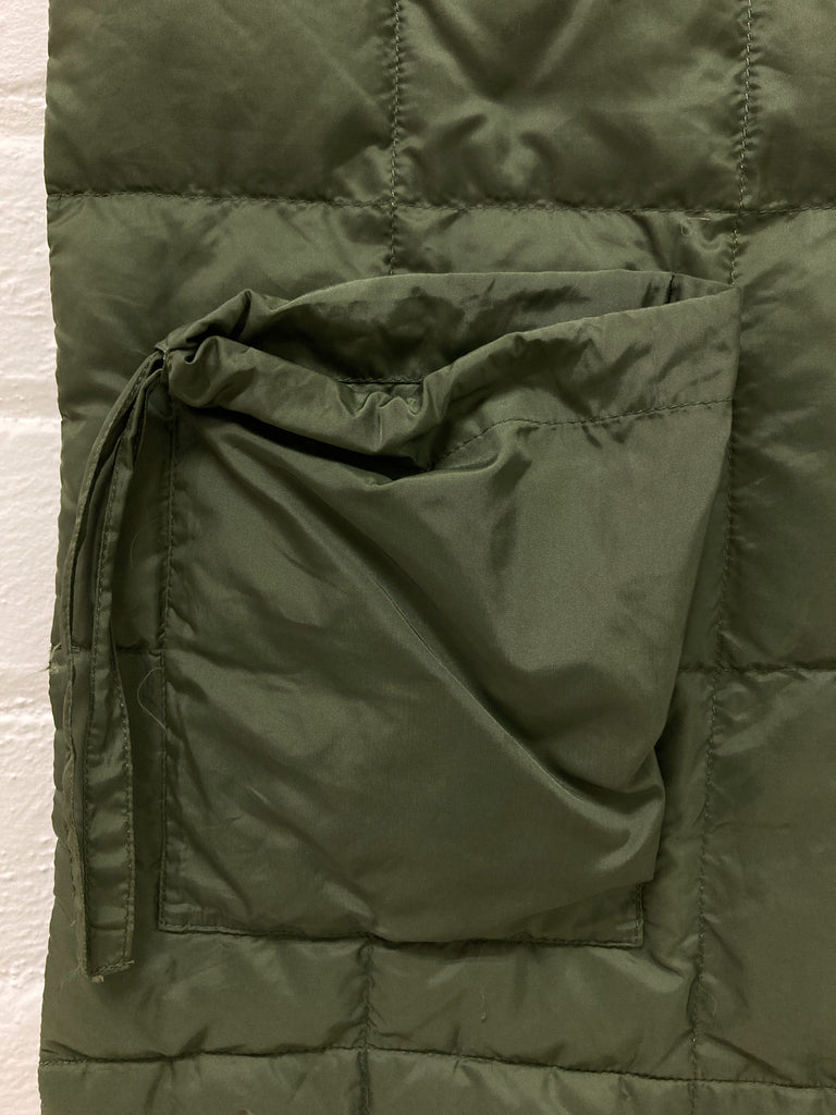 Issey Miyake green quilted drawstring pocket down scarf