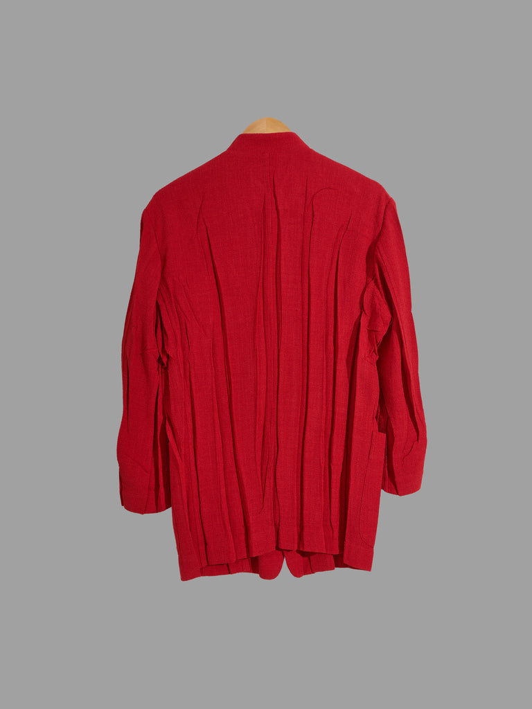 Issey Miyake red creased polyester 5 button stand collar blazer - size M L