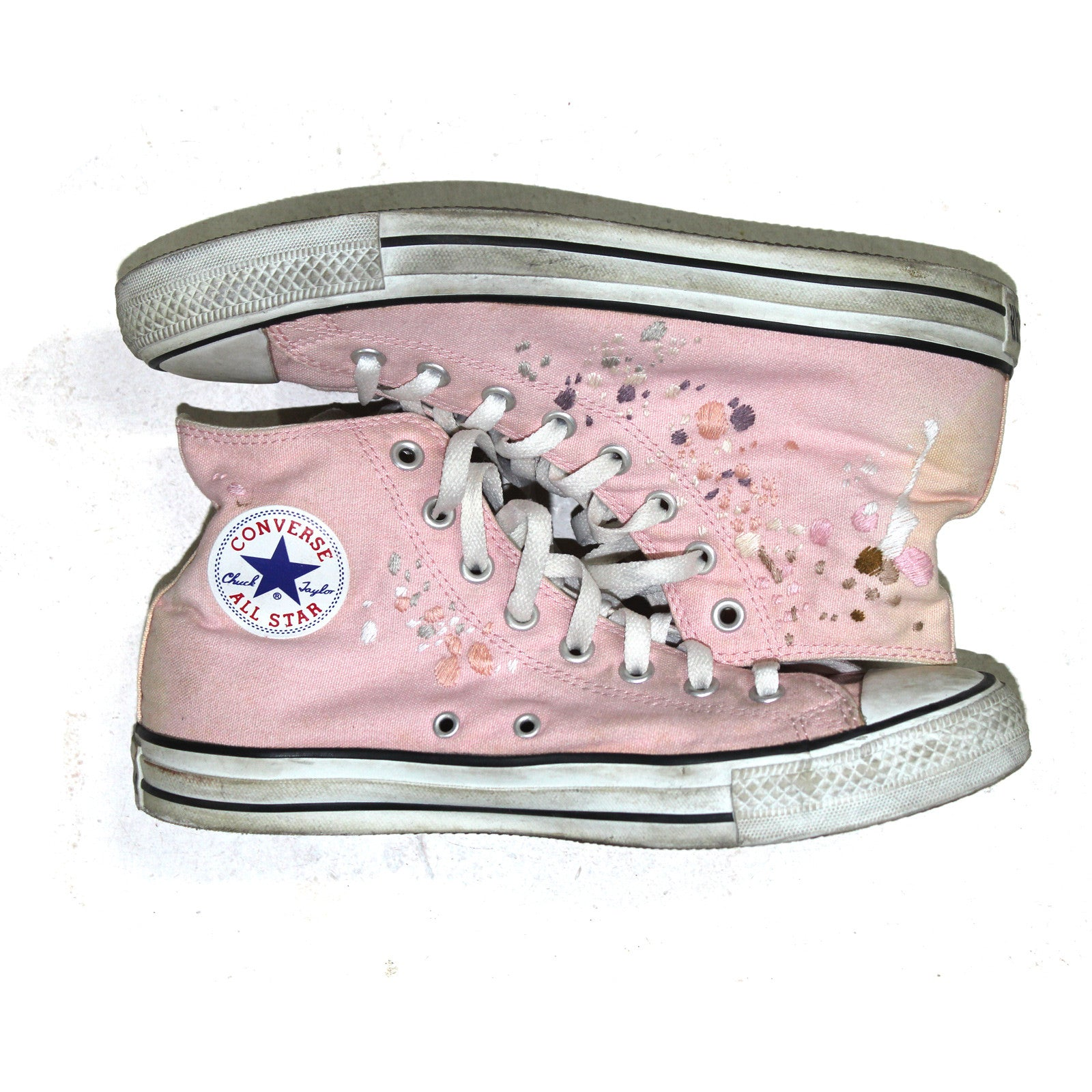 "BANDULU ""WAY PAST ELLE"" VINTAGE CONVERSE CHUCKS"