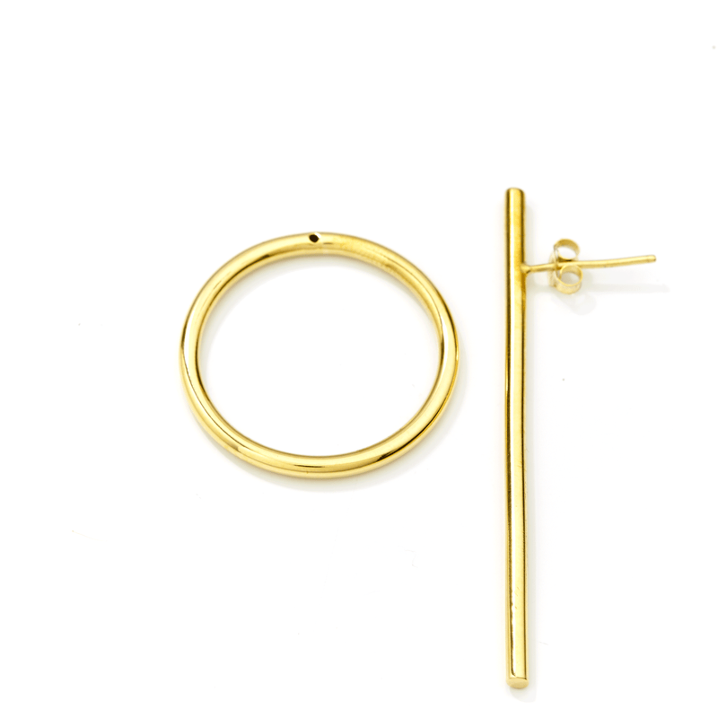 Bold Earring in brass separate set.