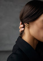 Vintage Ear Cuff Set in Gold en Silver on model