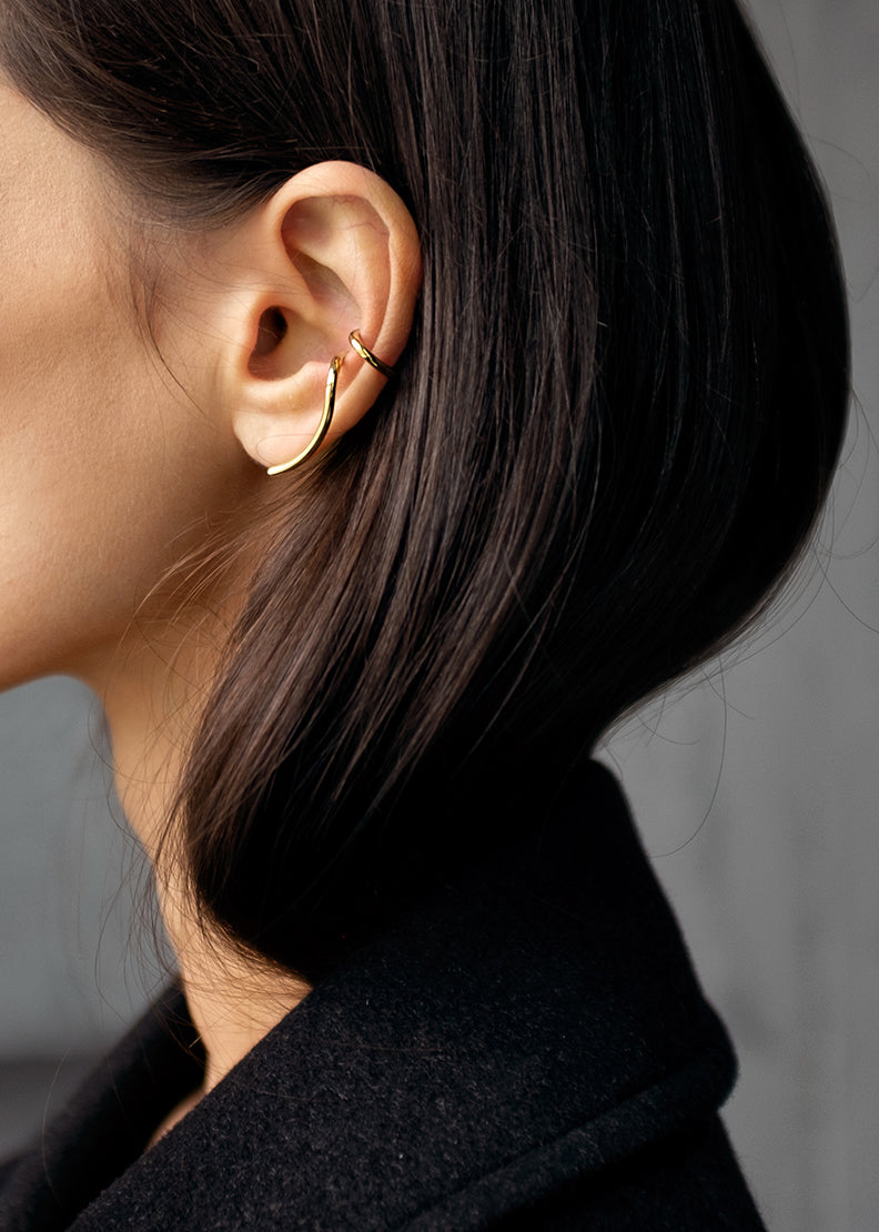 Ear Cuff Evolve Silver and Gold - Zilver en Goud - on model