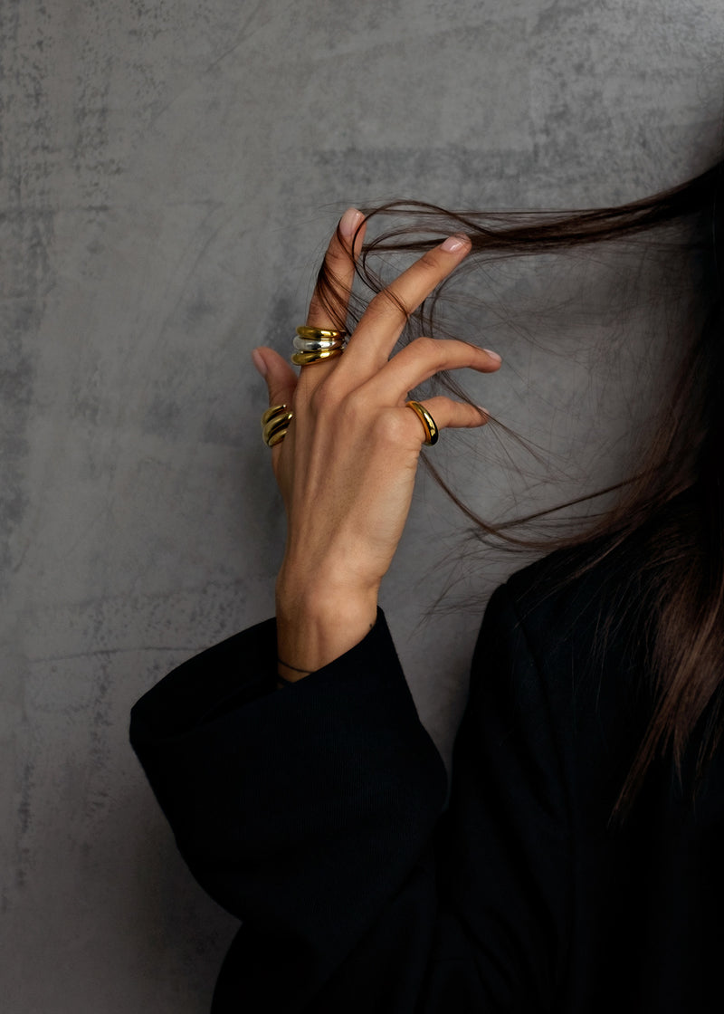 Origin Statement Ring Gold No.3 - Gouden Ring - hair photo