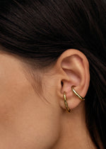 Ear Cuff Goud - Gold -Close up