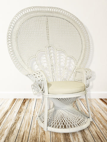 Lea Peacock Chair In White