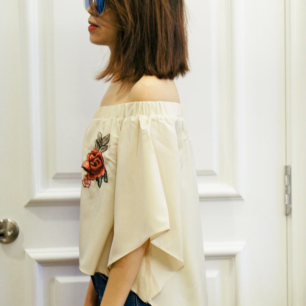 Rey Embroidery Off Shoulder Top