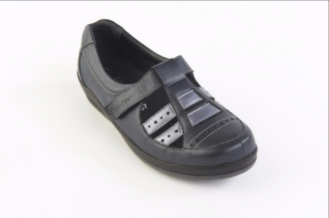 foxton shoe ultra wide fitting suitable for diabetics