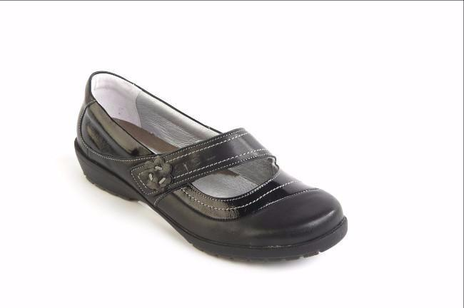Sandpiper Suave black patent leather shoe