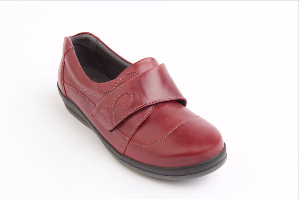 ladies wide fitting sandpiper shoe suitable for diabetics