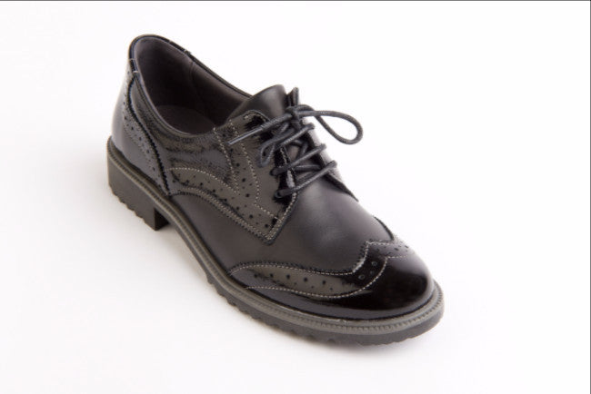 Sandpiper Suave black patent leather brogue shoe